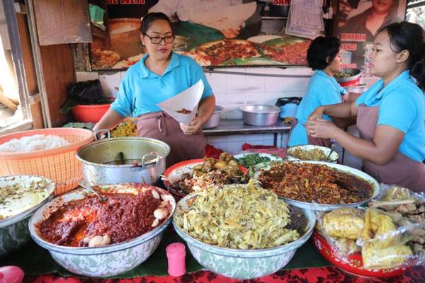Kuliner Nasi Campur Bali yang Legendaris