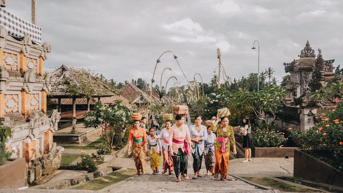 Masyarakat dan Adat Istiadat Bali